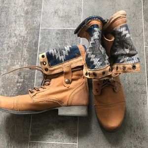 Steve Madden combat boots, size 9